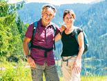 wandelend echtpaar oostenrijk